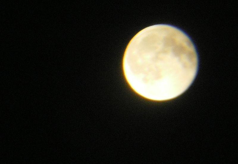 9_15_08_moon