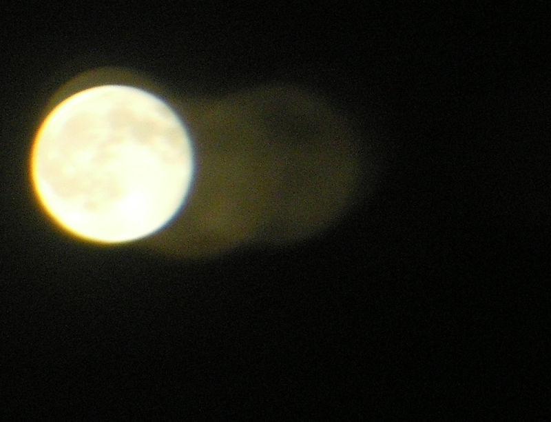 9_15_08_moon3
