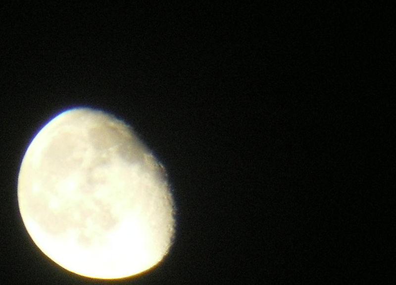 9_18_08_moon4