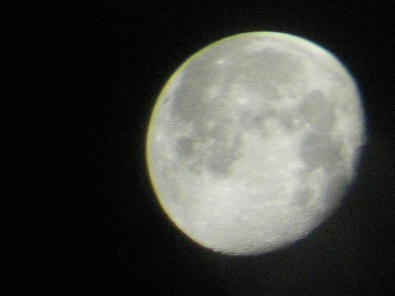 10_16_08_moon3